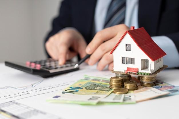 Arranjo dos elementos de investimentos da casa