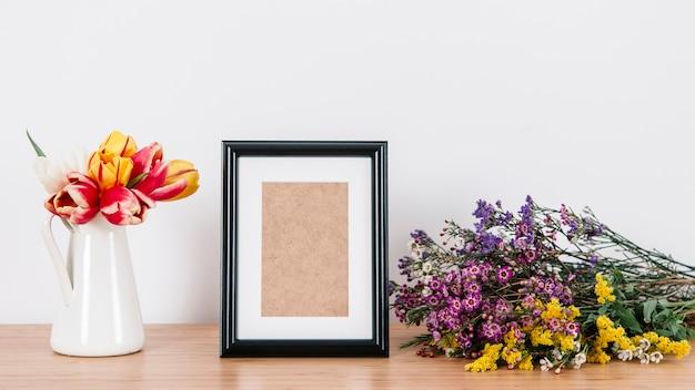 Arranjo elegante e flores arranjadas