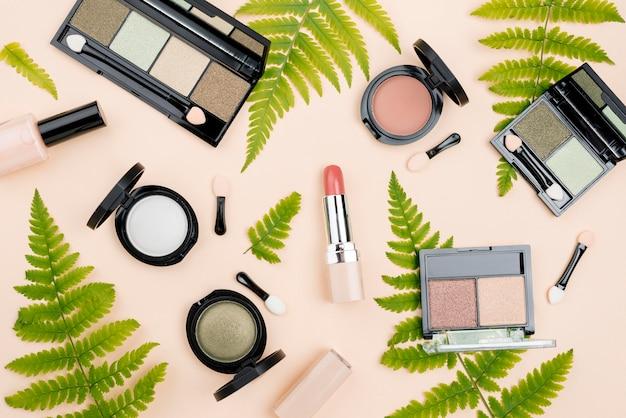 Arranjo plano leigo de produtos de beleza
