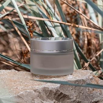Arranjo recipiente transparente de hidratação para cuidados com a pele