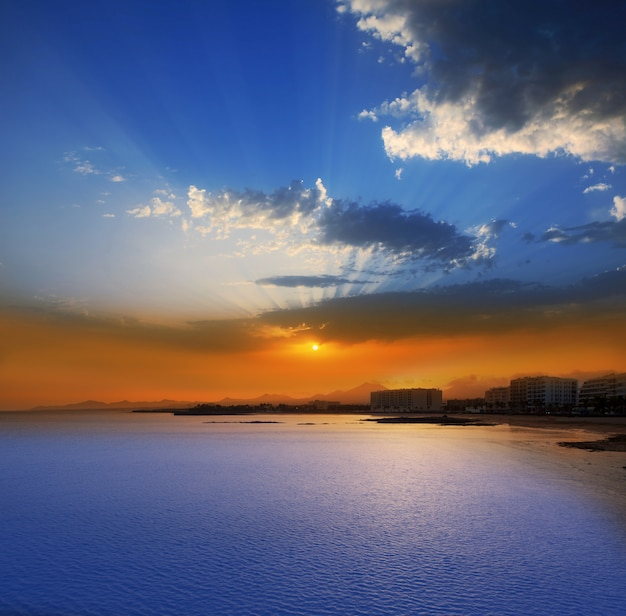 Arrecife lanzarote sunset in reducto beach