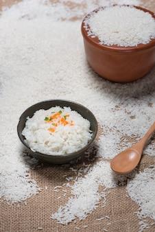 Arroz branco. arroz de jasmim, arroz tailandês, arroz cru.