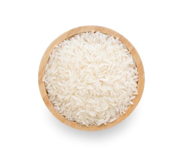 Arroz com jasmim tailandês, arroz branco em tigela de madeira