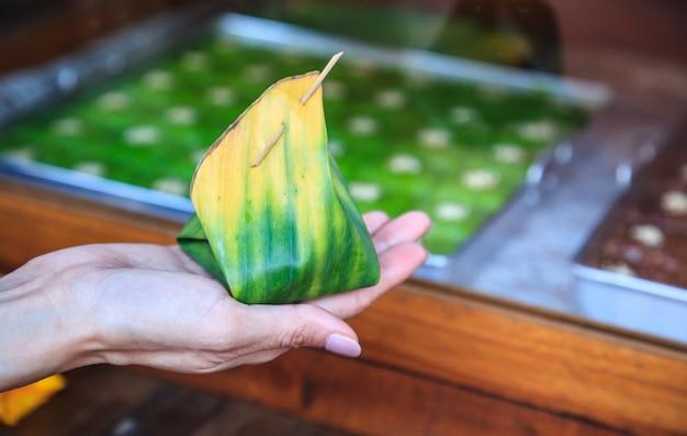 Arroz doce tradicional recheado com variedade de recheio de frutas