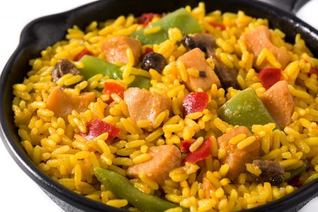 Arroz frito com frango e legumes