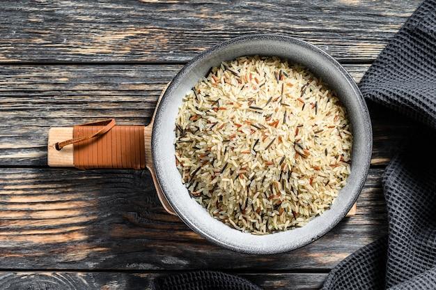 Arroz orgânico, arroz misto em uma tigela