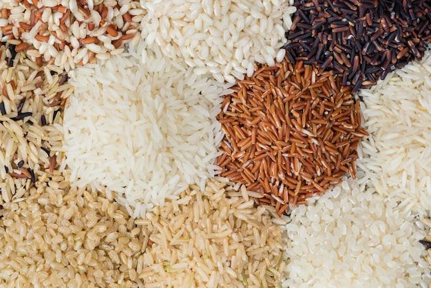 Arroz seco diferente para comer estilo de vida saudável