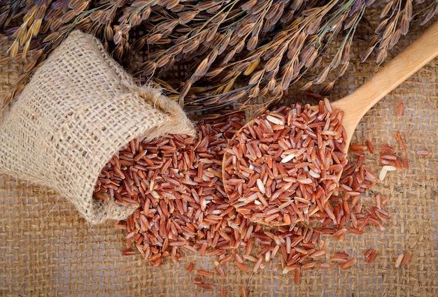 Arroz vermelho, arroz integral e orelha de arroz
