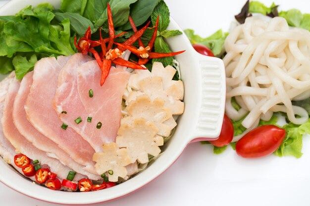 Arroz vietnamita, sopa de macarrão vietnamita.