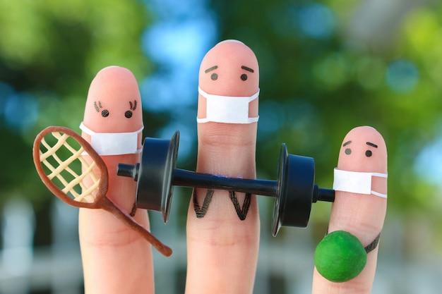 Arte de dedos de pessoas felizes em máscara médica de covid-2019.