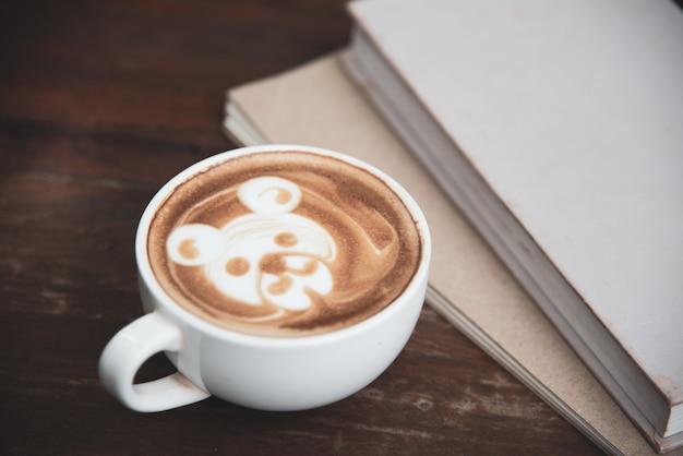 Arte de latte de xícara de café