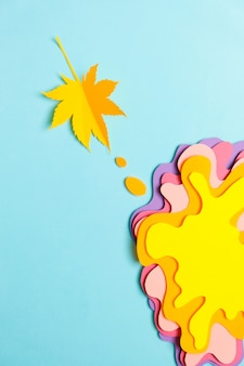 Arte de papel, forma amorfa de cores diferentes.