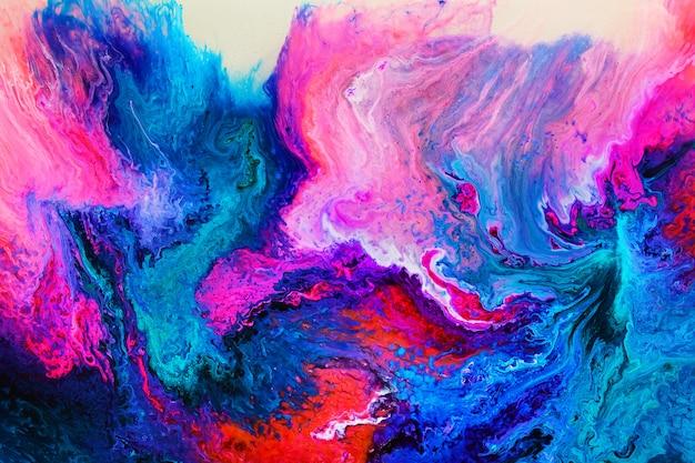 Arte em resina epóxi colorida