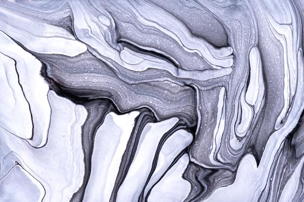 Arte fluida abstrata fundo cinza claro e cores brancas. mármore líquido. pintura acrílica sobre tela com gradiente preto. pano de fundo aquarela com padrão ondulado. seção de pedra.