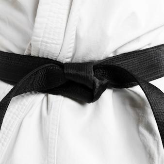 Artes marciais de close-up faixa preta