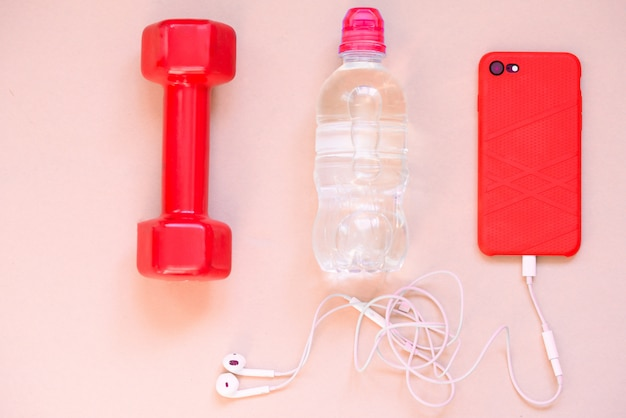 Artesanato esportivo, halteres, água potável