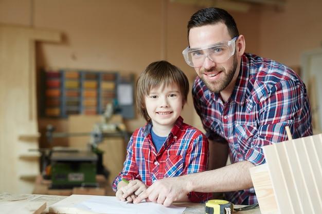 Artesãos pai e filho