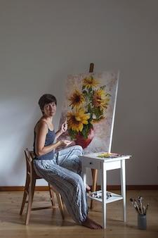 Artista no trabalho