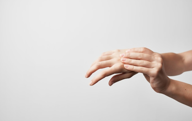 Artrite, lesão nas articulações da mão, problemas de saúde, tratamento, medicamento