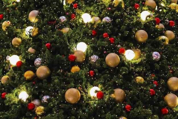 Árvore de natal closeup decorar no ano novo
