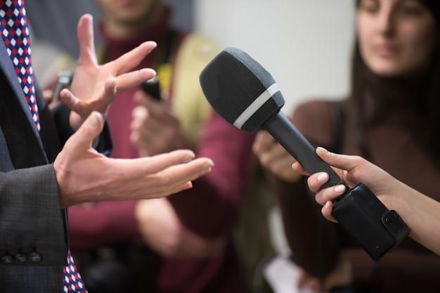 As entrevistas correspondentes