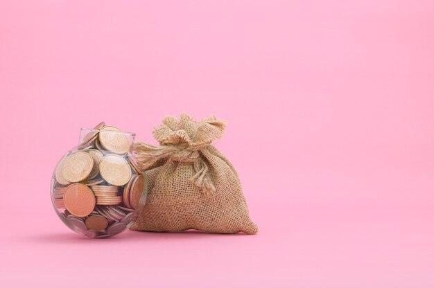 As ideias economizam dinheiro, investem em ações, aumentam os impostos de renda
