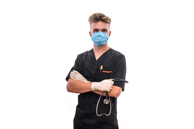 As mãos do médico com estetoscópio fecham. trabalhador médico oferecendo ajuda