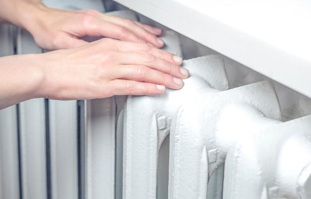As mãos estão quentes do frio.