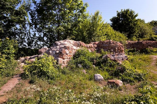 As ruínas de um antigo castelo, localizado na cidade de grodno, bielorrússia.