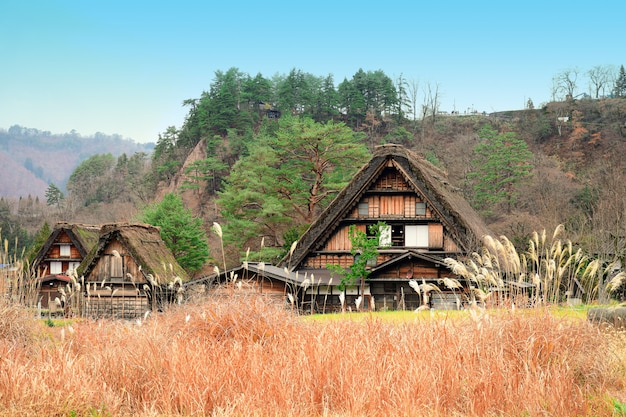As vilas históricas de shirakawa-vão, japão.