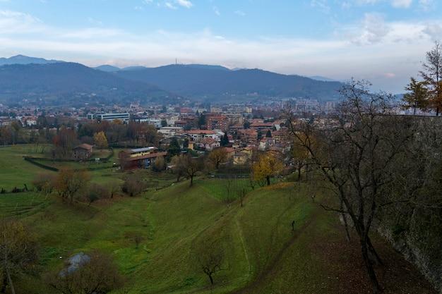 As vistas de bergamo. itália