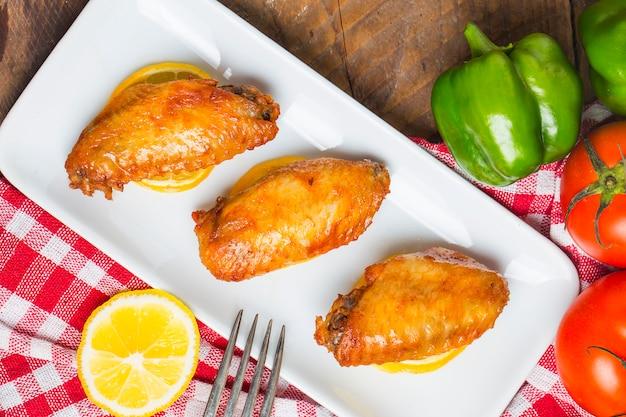 Asas de frango com limão
