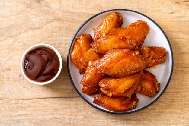 Asas de frango de churrasco