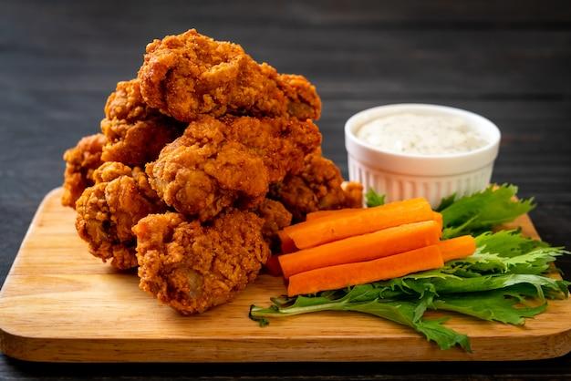 Asas de frango frito picante