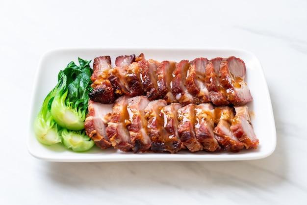Assado churrasco porco vermelho