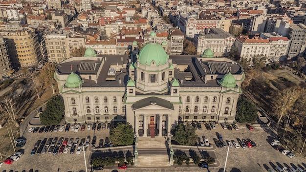Assembleia nacional da república da sérvia. vista aérea