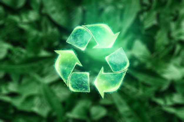 Assine o holograma de reciclagem sobre um fundo verde. o conceito de terra limpa, coleta de lixo.