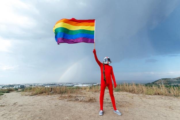 Astronauta com bandeira lgbt - orgulho gay lgbt.madrid.spain