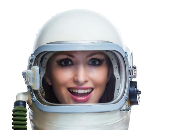 Astronauta de beleza isolado em um fundo branco. conceito de mulher de beleza espacial