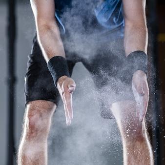Atleta em levantamento de peso