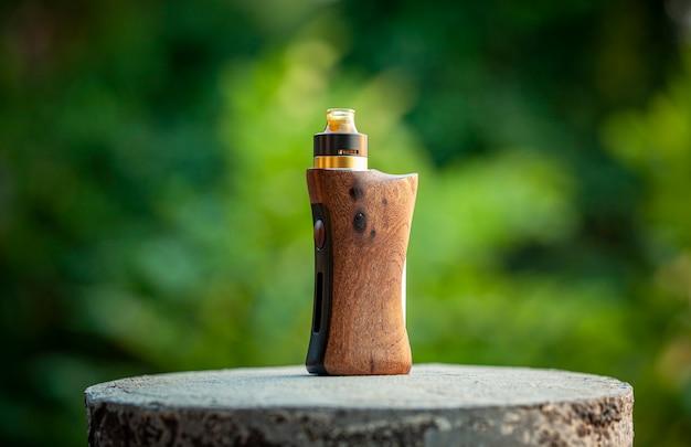 Atomizador de gotejamento rebuildable de ponta com mods de caixa regulada em madeira de nogueira natural estabilizada, dispositivo vaping