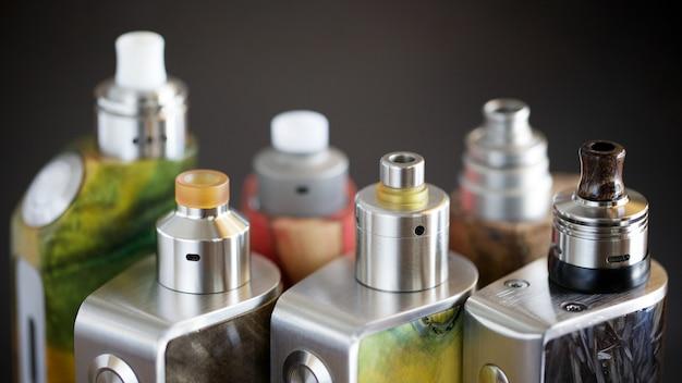 Atomizadores de gotejamento reconstrutíveis em mods de caixa de madeira estabilizada regulada