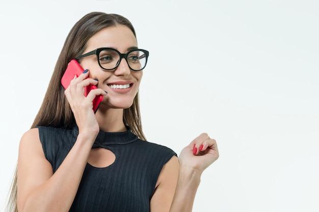 Atraente, femininas, desgastar, óculos, com, telefone