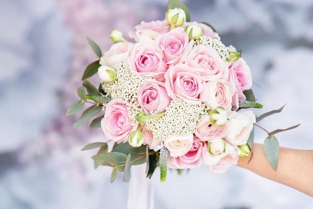 Atributos de casamento à moda da noiva.