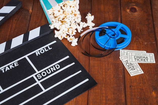 Atributos do cinema na mesa