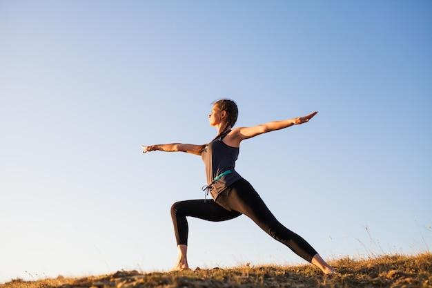 Aulas de ioga do sol.