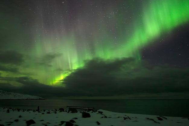 Aurora boreal. aurora boreal. teriberka. região de murmansk. rússia