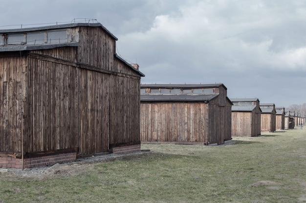 Auschwitz-birkenau, polônia 12 de março de 2019 campo de concentração. quartel da morte. campo de extermínio judeu. .