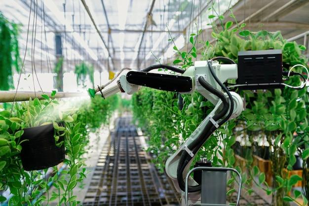 Automatic agricultural technology robot braço molhando plantas árvore