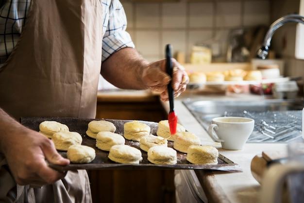 Avental de homem cozinhar conceito de padaria de cozimento